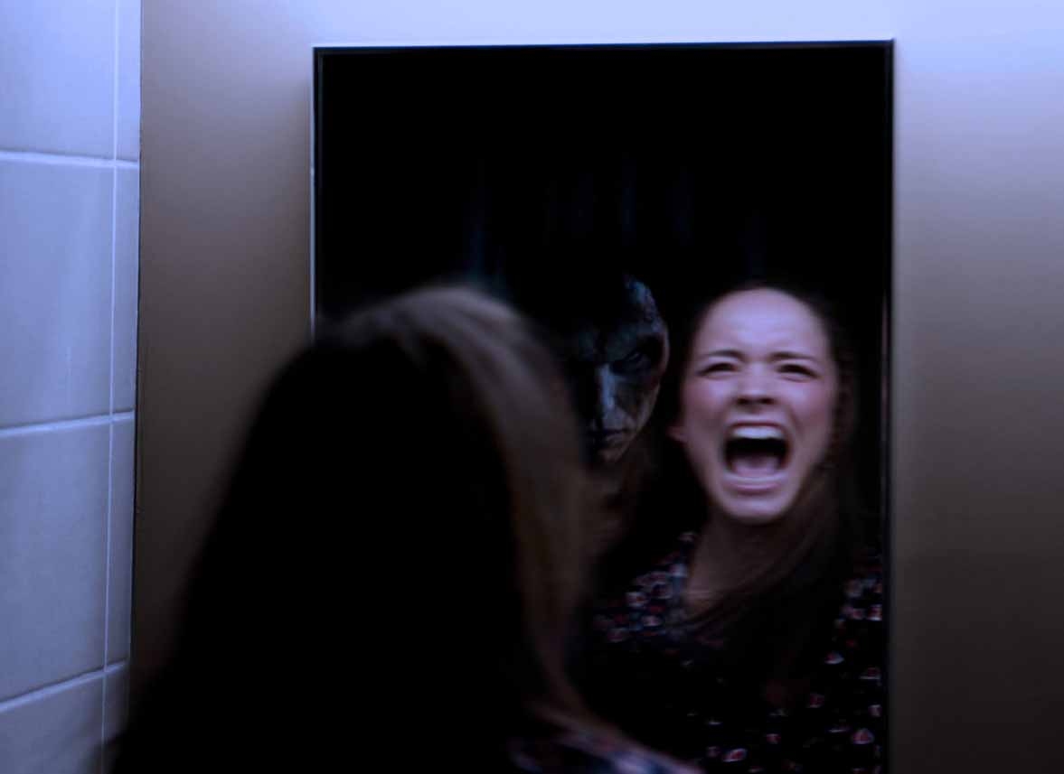 ghosts-in-mirrors-pictures