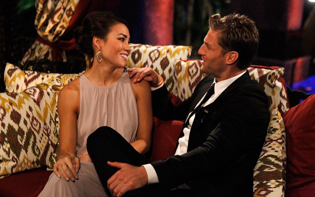 the-bachelor-juan-pablo-girls-first-impression-rose-ftr