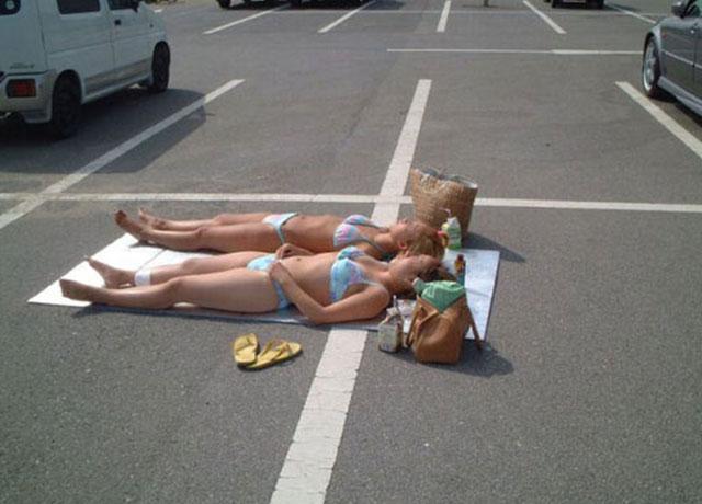 sunbath-at-parking