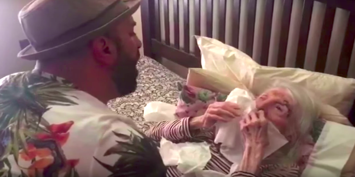 Man surprises 98 year old grandma with song on her birthday for What to get grandma for her birthday